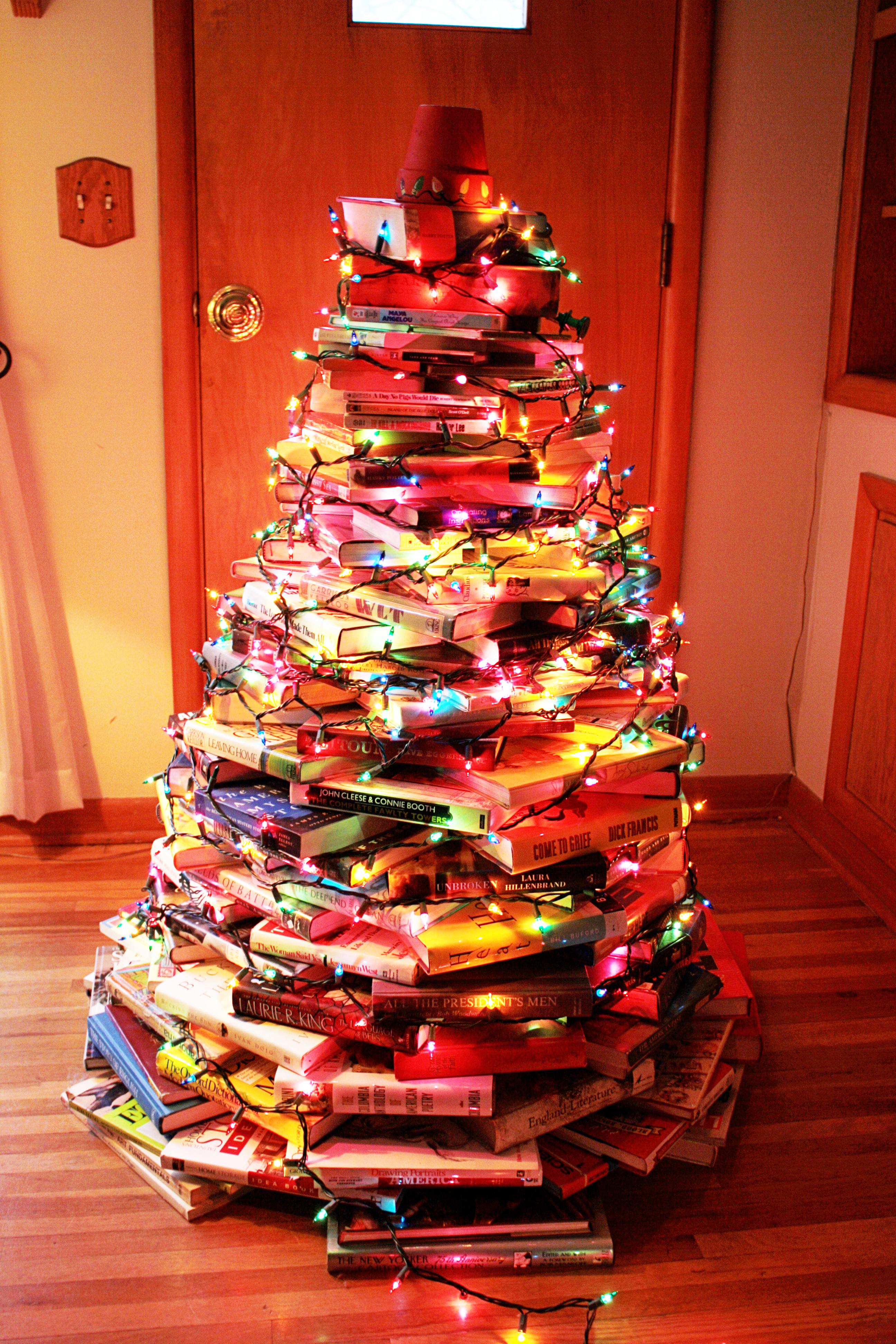 Árbol navidad con libros